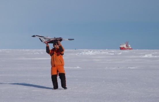 首次利用无人机摄影测量揭示海冰表面精细结构